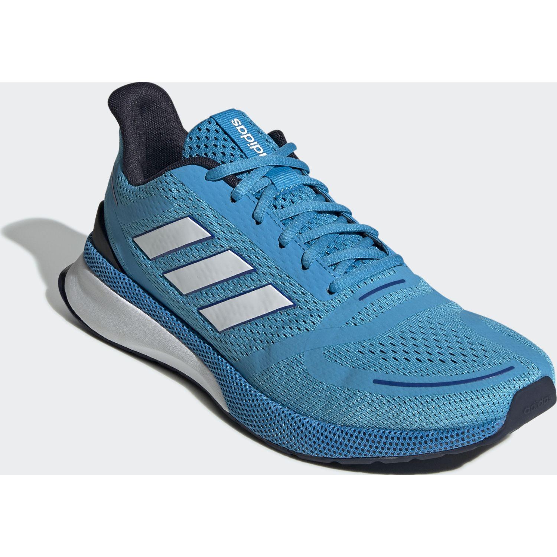 Adidas novafvse Celeste / blanco Running en pista