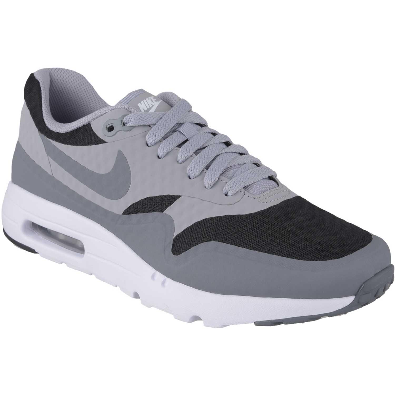 Consigue este tipo de deportivas de Nike ahora! Haz clic