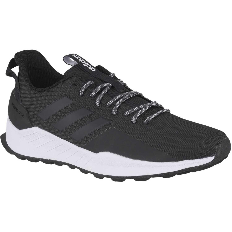 Adidas questar trail Negro Running en pista