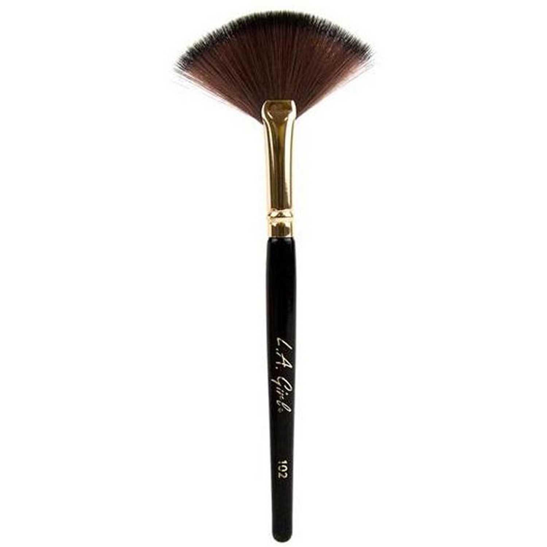 L.a. Girl brocha de rostro la girl large fan brush #102 Negro / marrón Blush Cepillos