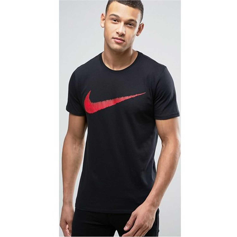Nike m nsw tee hangtag swoosh Negro / rojo Camisetas y Polos Deportivos