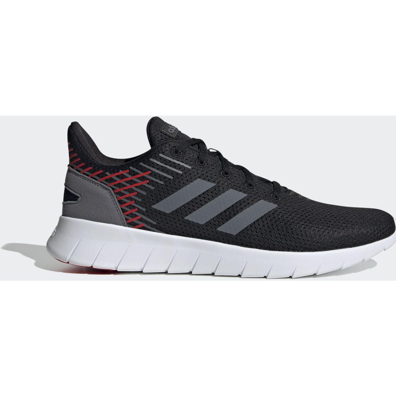 Adidas asweerun Negro Running en pista
