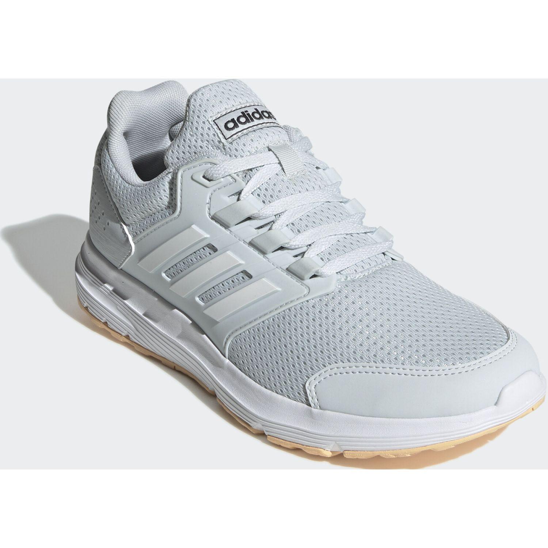 Adidas galaxy 4 Celeste Running en pista