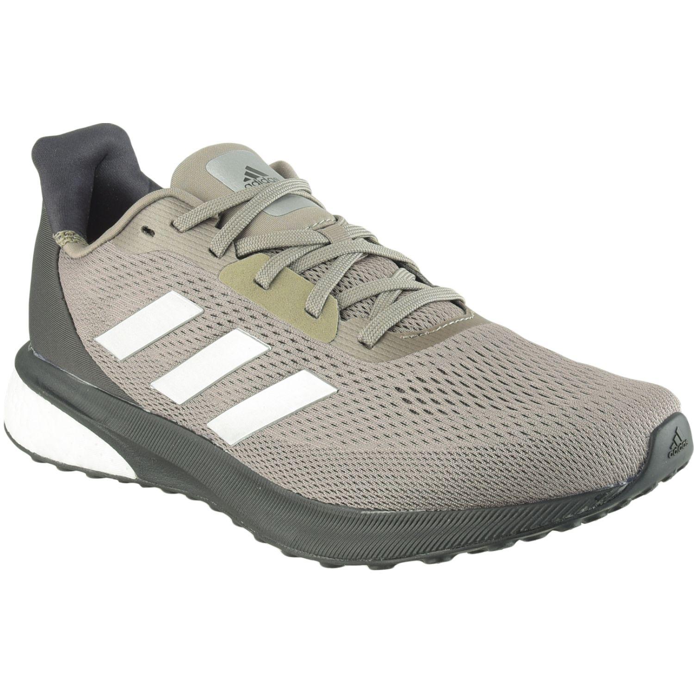 Adidas astrarun m Verde Running en pista