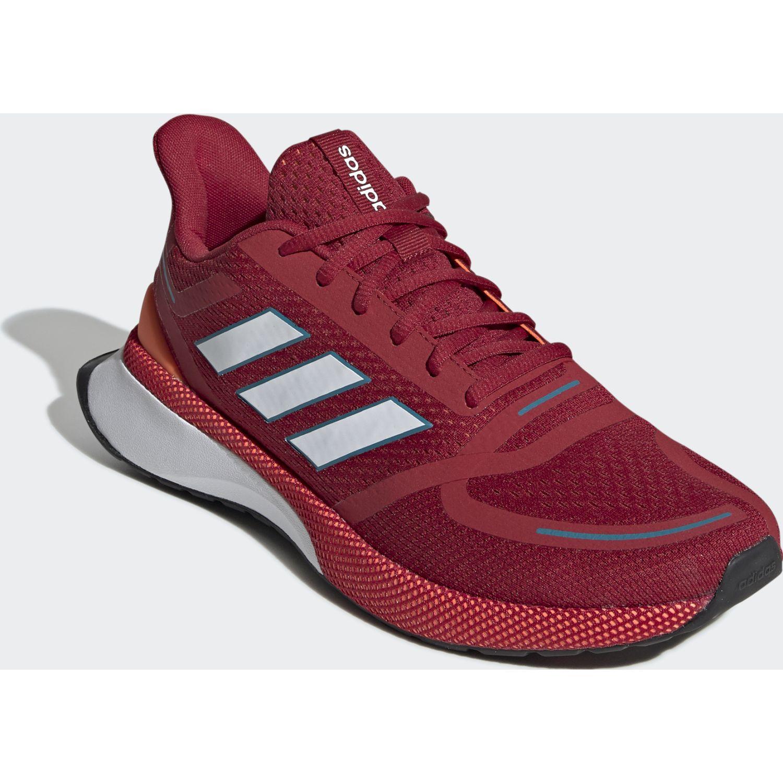 Adidas novafvse Rojo Running en pista