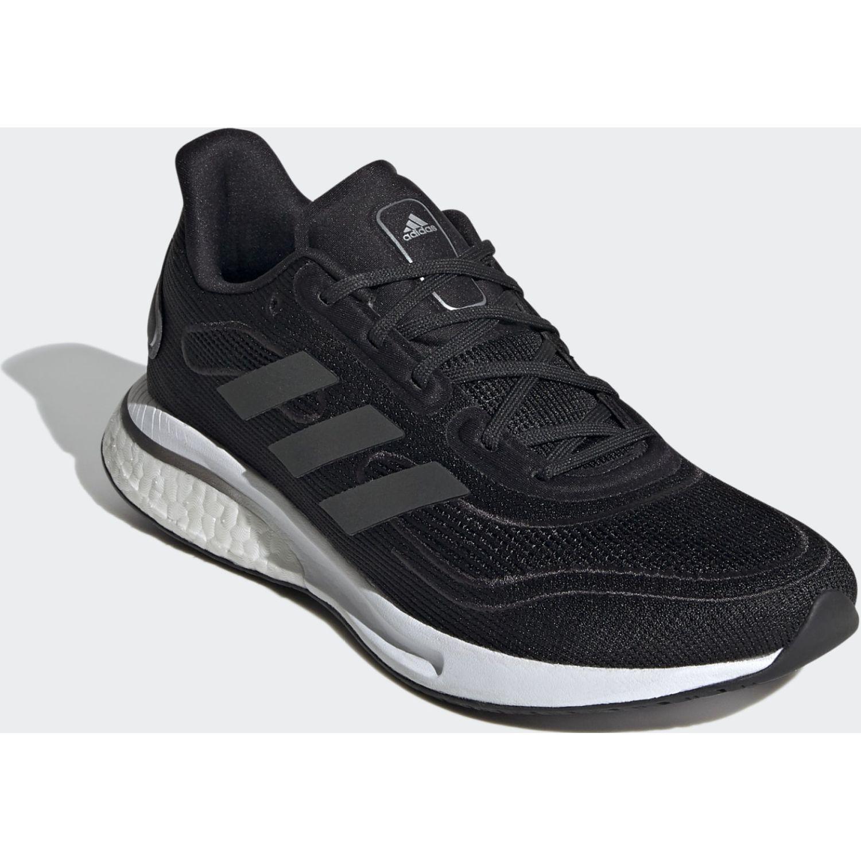 Adidas Supernova W Negro Running en pista